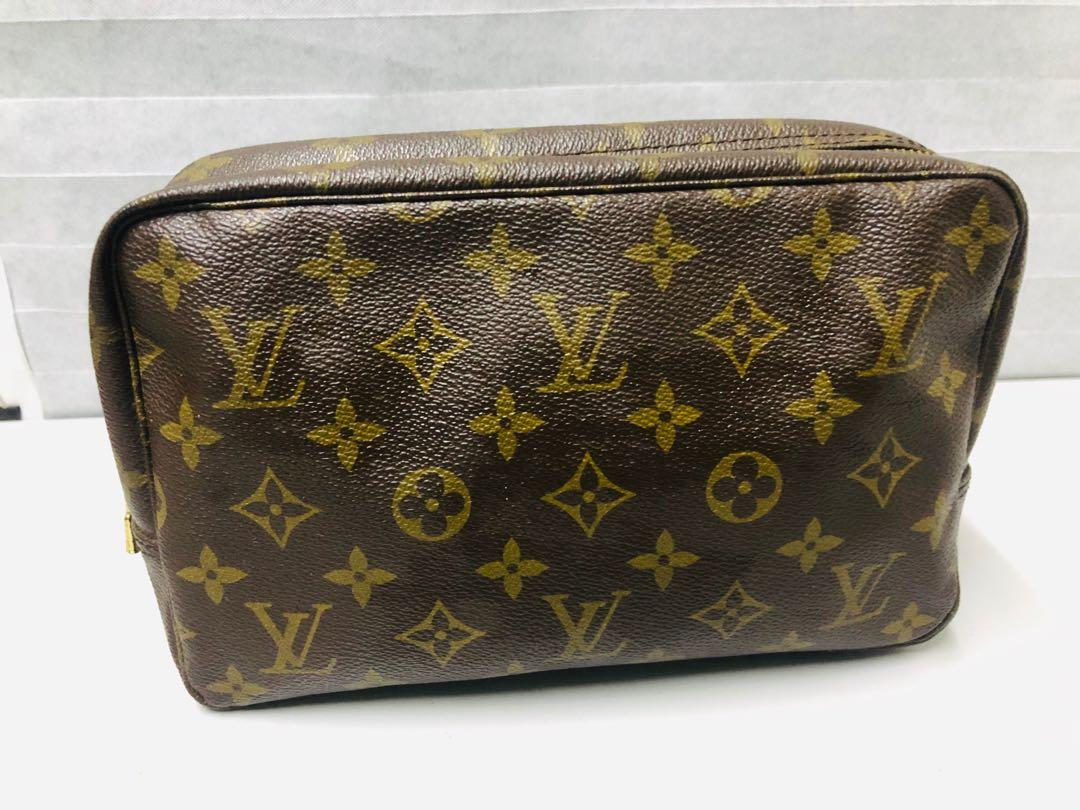 LV Vintage Authentic LOUIS VUITTON Monogram Cosmetic makeup organizer Pouch