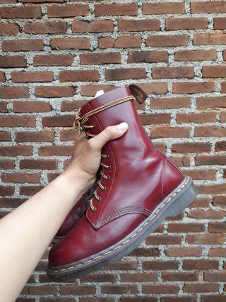 1490 Dr.Martens Vintage Oxblood