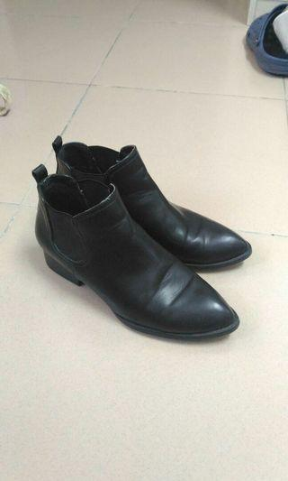 ShoeBox黑色踝靴24,38