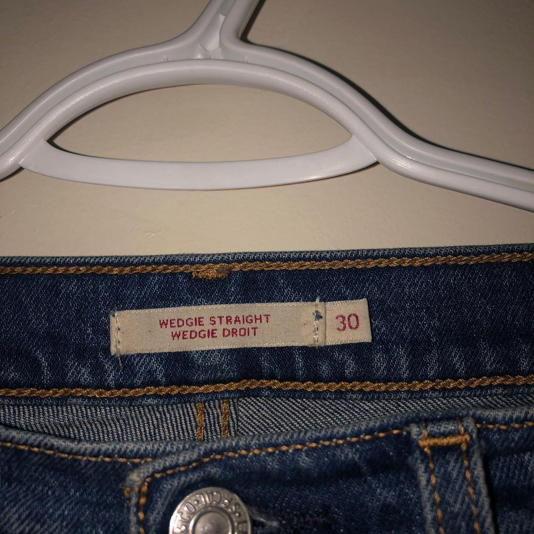 Levis High waisted Wedgie Straight (Raw Hem) size 30