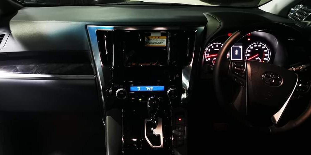 Toyota Alphard 3500cc zg版 Auto