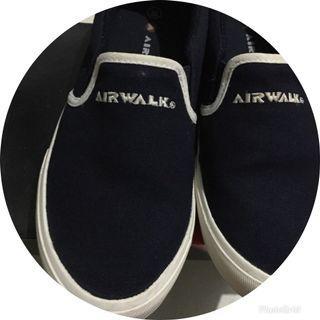 Slip on navy airwalk