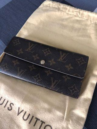 (Price Reduced) Authentic LV Sarah Wallet
