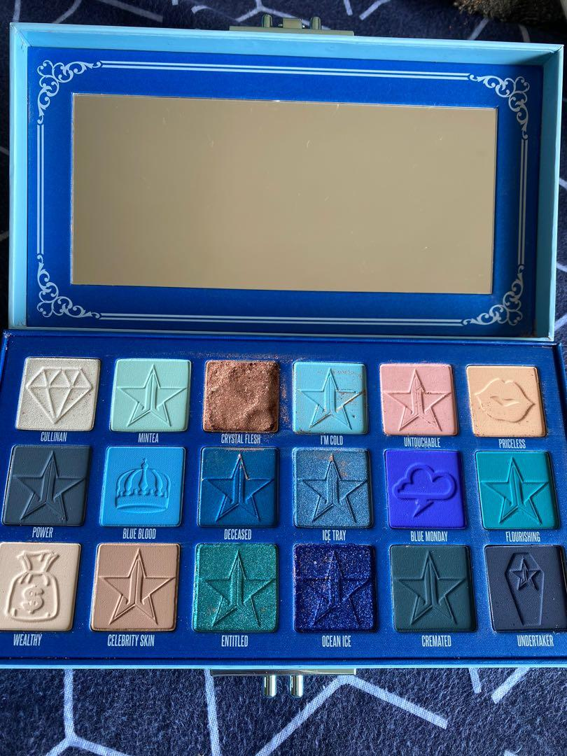 Blue blood palette with one eyeshadow that was shattered