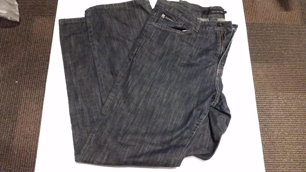 Calvin Klein Jeans - 33- Relaxed Straight leg- used