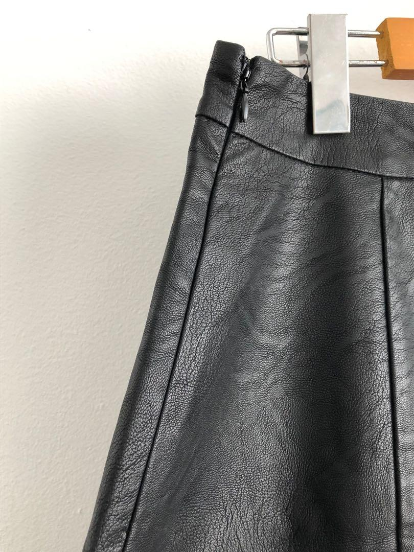 NA-KD BRAND HIGH WAIST A-LINE FAUX LEATHER SKIRT SIZE SMALL