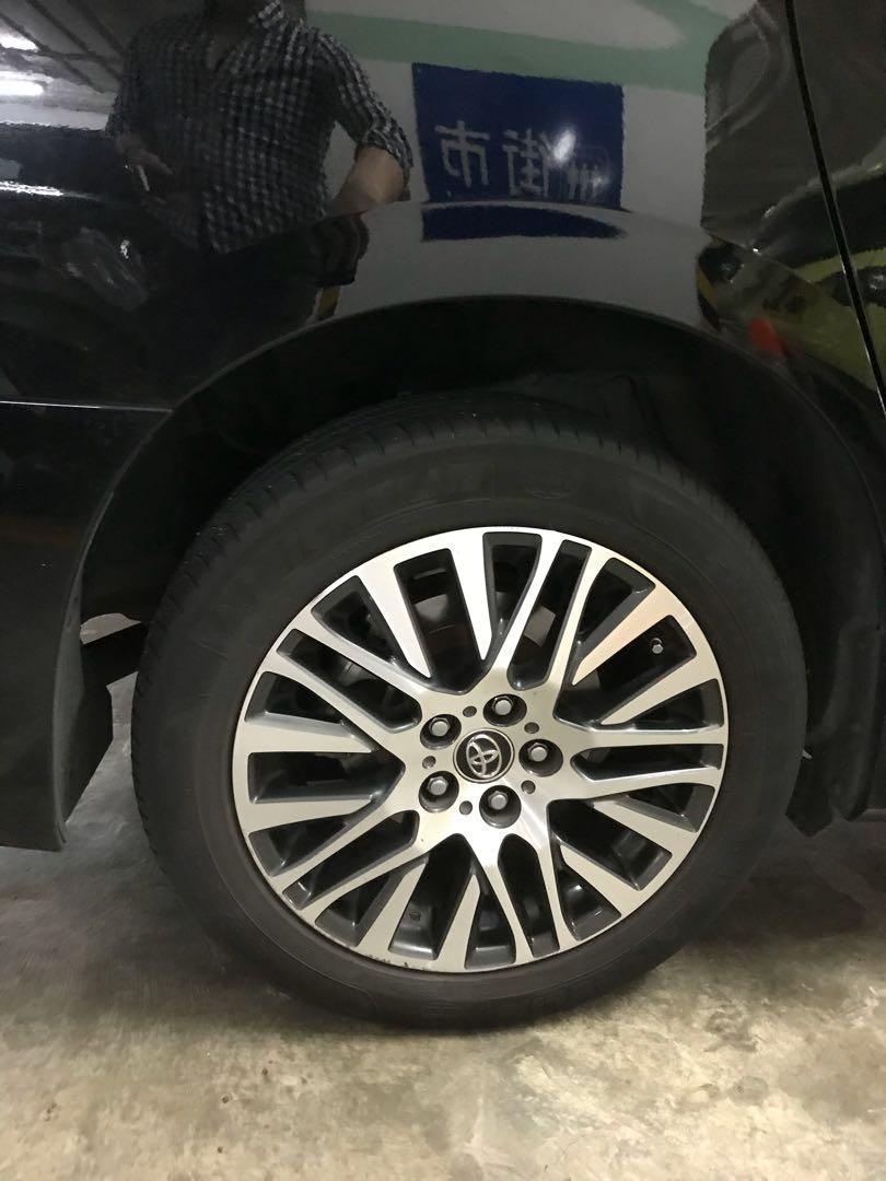 Toyota Alphard 2.5 hybrid  Auto