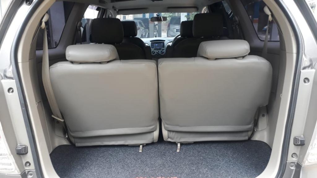 Toyota Innova G luxury 2.5 cc Diesel Automatic Thn.2011