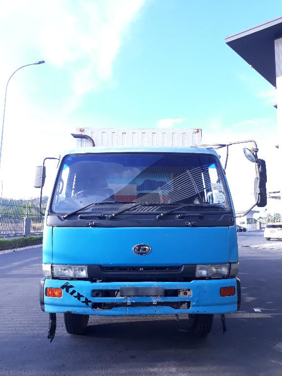 Used NISSAN LKA211N Box Van Truck for sale (KK area only)