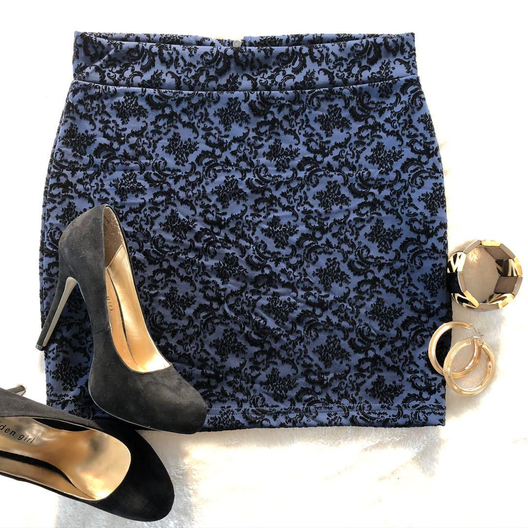 Vero Moda Blue and Black Paisley Patterned Mini Skirt