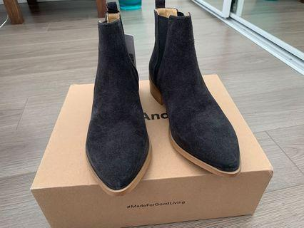 Frank and Oak Chelsea Ankle Boots 6.5
