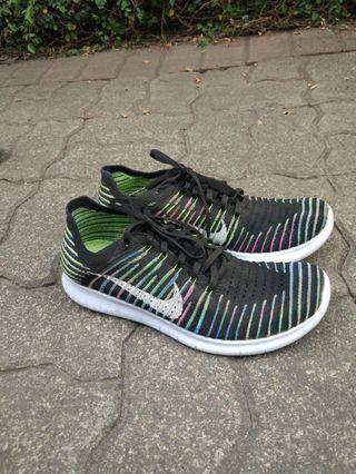 Sepatu lari nike free rn flyknit