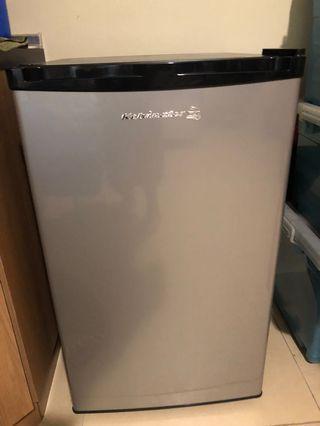 Kelvinator Mini Refrigerator