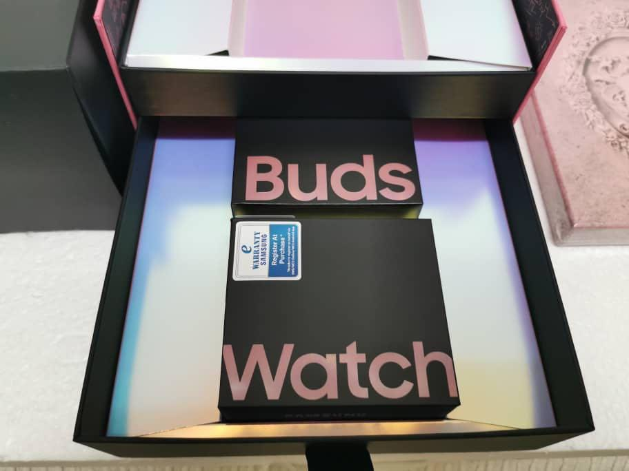 Samsung Blackpink active watch and buds and Limited Blackpink box