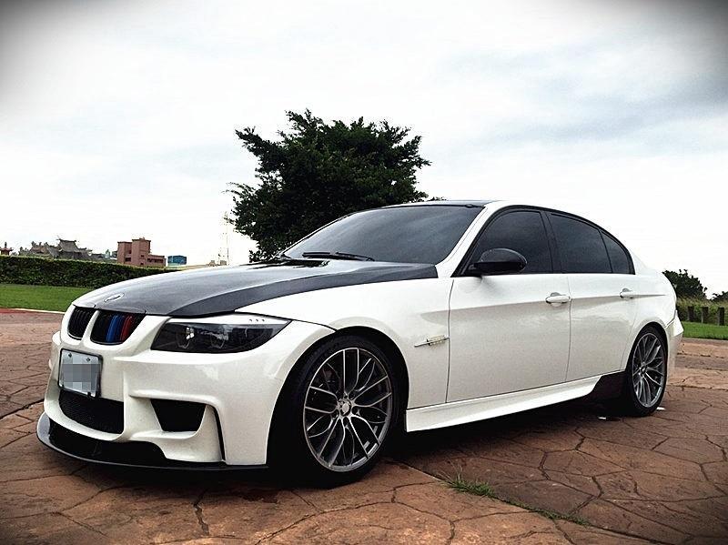 2006年 BMW320i 白色 爆改版