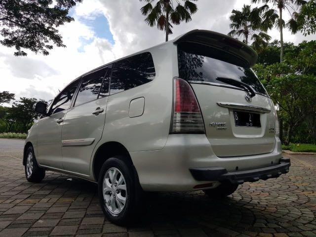 Toyota Kijang Innova 2.0 G AT Luxury Bensin 2011,Bergaya Dengan Dana Minim
