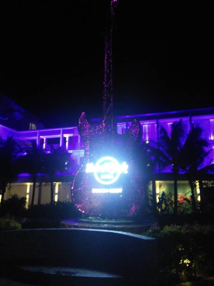 Transports Sg to hard rock hotel @ SG-hard rock hotel