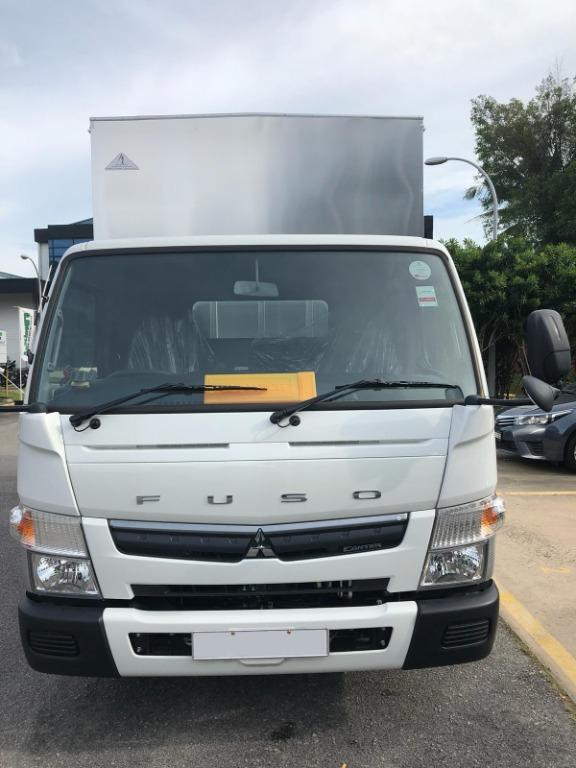 WITH TAILGATE FUSO 14 FT BOX VEHICLE RENTAL LORRY RENTAL COMMERCIAL RENTAL