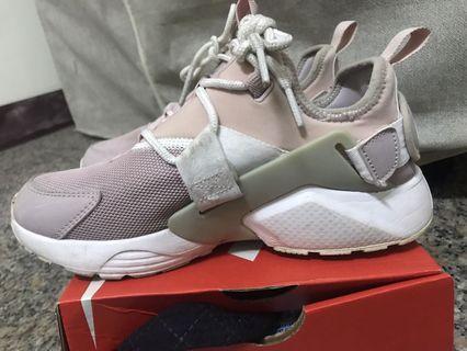 nike air huarache 粉紫色運動鞋 八成新