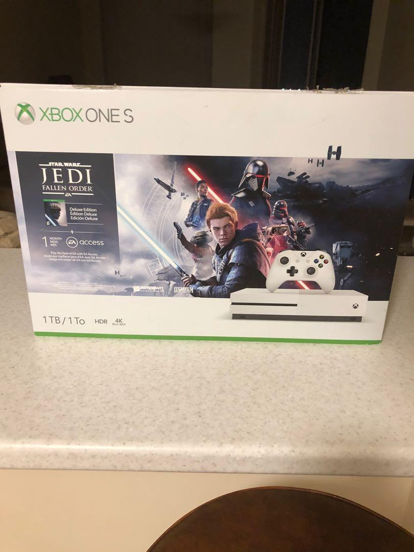 1TB Xbox One S with Modern Warfare and Control on disc