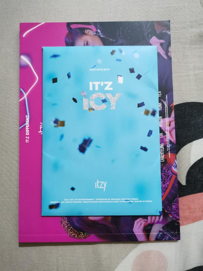 ITZY IT'Z ICY Postcards and IT'Z Different Booklet