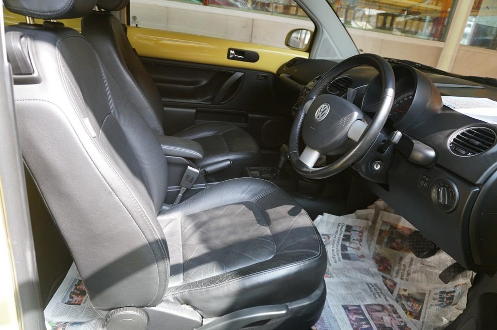 2010 Volkswagen BEETLE 2.0(A)FULL SPEC LIKE NEW   http://wasap.my/601110315793/Beetle2010
