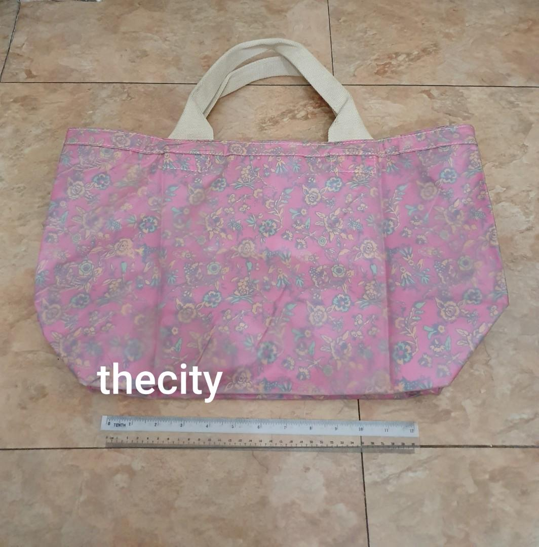 BRAND NEW ! - NEVER BEEN USED - VERY CHEAP DEAL - MARC JACOBS LARGE TOTE BAG - BRAND NEW (NEVER BEEN USED) - JAPAN MARC JACOBS STORE - (RETAILS AROUND RM 1500+)
