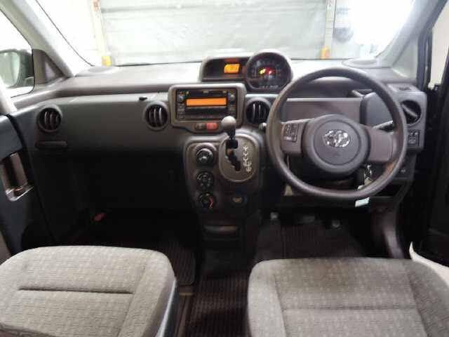 Toyota SPADE X Auto