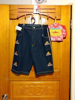新品牛仔短褲🎩 類似Adidas 成人《 型男穿搭》 三條線 五分褲 夏日穿搭 牛仔 五分短褲 刷色  膝上短褲(