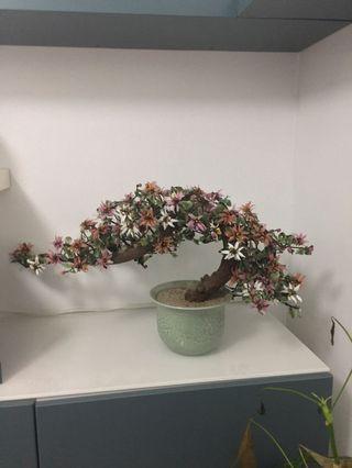 Beautiful vintage jade glass bonsai tree sculpture