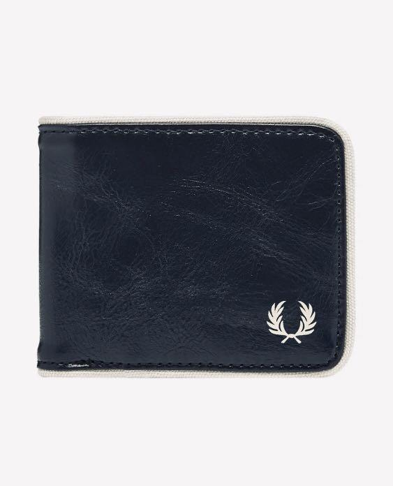 Brand new, 100% Guarantee Authentic, Genuine Fred Perry Classic Billfold Wallet cheaper than retail