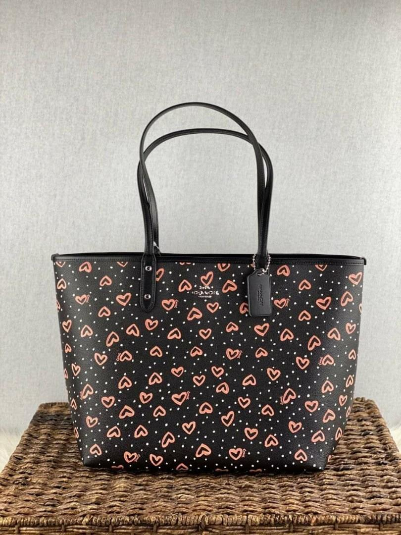 Coach Reversible city tote with crayon hearts print in black pink multi/lit blush