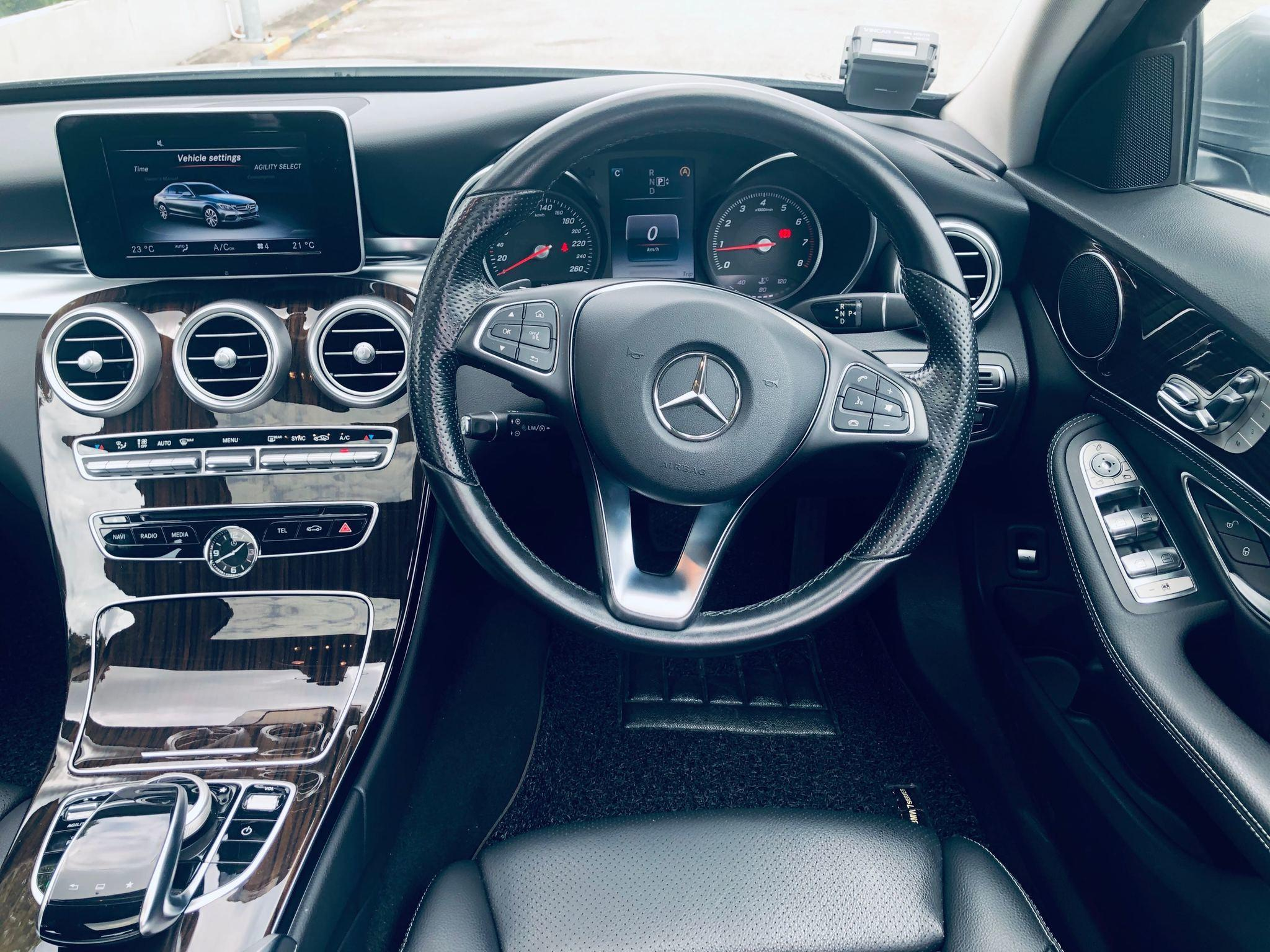 Mercedes-Benz C200 Saloon Auto