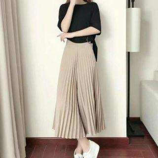 Pleated Square Pants Tokong