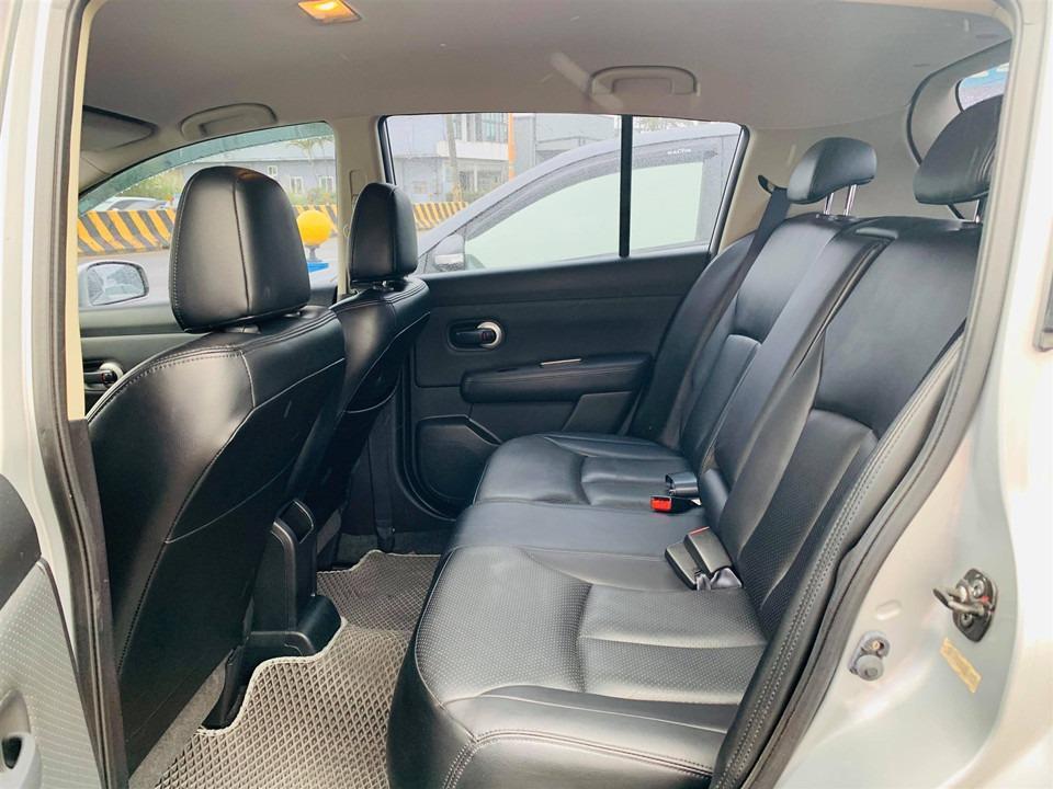認證車 低里程 2011年 1.8 銀色 TIIDA 5D 實跑4.5萬公里 黑內裝 ABS 雙安 恒溫 皮椅 USB/MP3影音 電動收摺後照鏡