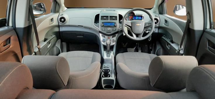 Chevrolet Aveo 1.4 LT AT 2014 Putih Km 49 Rb Dp 19,9 Jt No Pol Ganjil