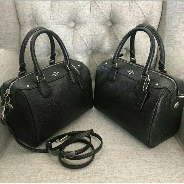 """Authentic Coach Bag **instock!!  ➰260$ ➰9"""" (L) x 6 1/2"""" (H) x 5"""" (W)  #NewwithTag#CoachCareCard #DustBag#CoachPaperBag # Guaranteed Authentic100% FromCoachUSA🇺🇸 **Guaranteed original product !!  Pm me ,thanks"""