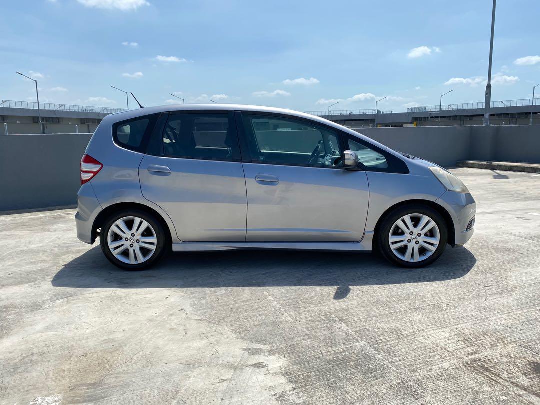 Honda Jazz 1.5 Good unit !! Honda fit small hatchback