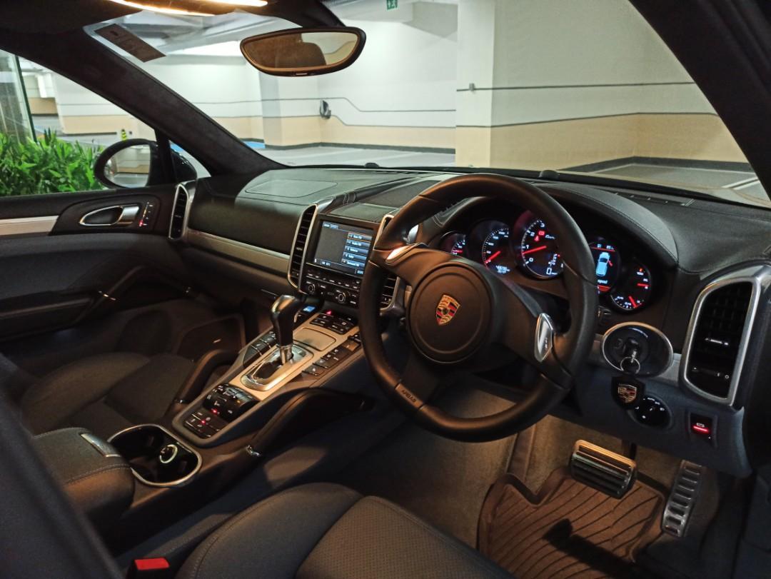 Porsche Cayenne 4.8 Turbo V8 (A)