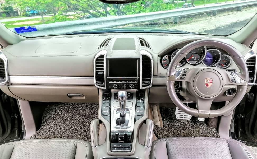 SEWA BELI BERDEPOSIT>>PORSCHE CAYENNE S V6 TURBOCHARGED TIP S DIESEL 3.0 2010/2016