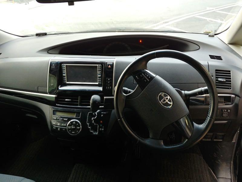 Toyota Estima 2.4 Aeras 7-Seater Facelift Auto