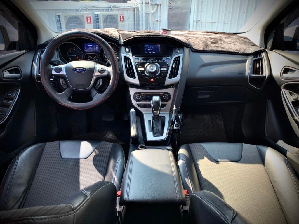 2013年 Ford Focus S 2.0 白色 柴油