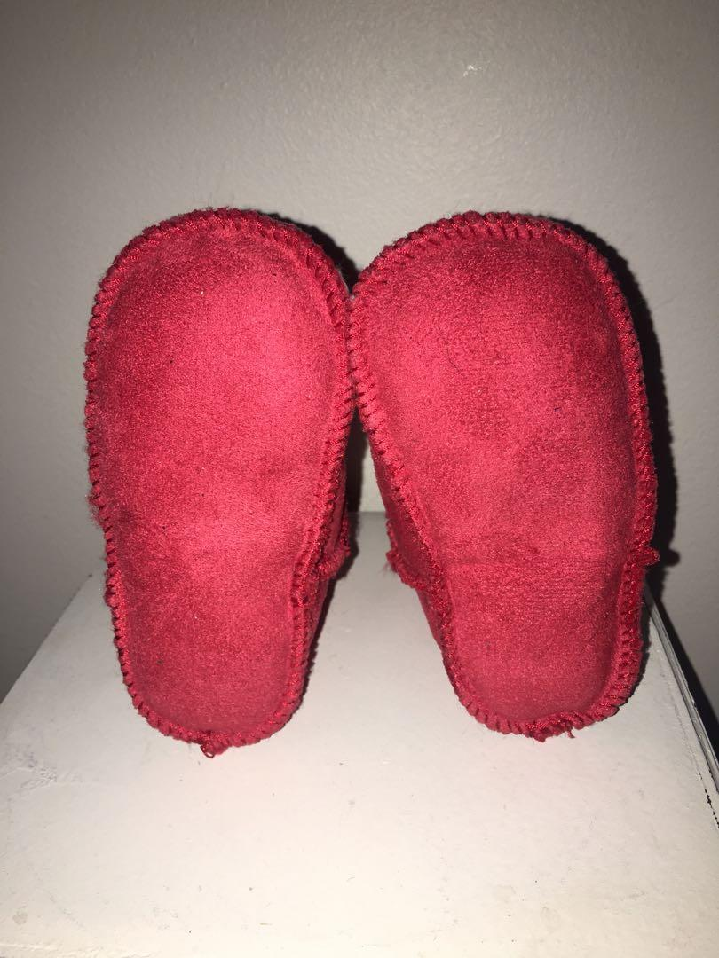 Brand new Ugg Erin infant booties sz 2/3 (6-12 months)