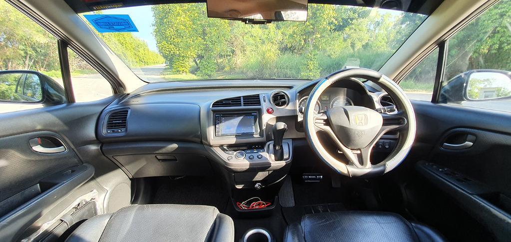 Honda Stream RSZ 1.8A Sunroof - Private Hire Ready!!