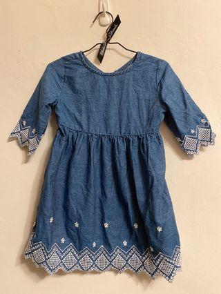 Old Navy 刺繡洋裝