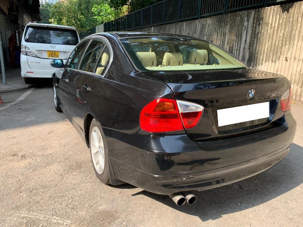 BMW 323i Sedan (A)