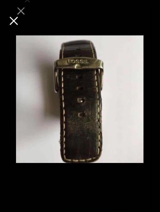 CLEARANCE SALES {Collectibles Item - Vintage Watch} Pre-loved Vintage Fossil Unisex Quartz Wrist Watch