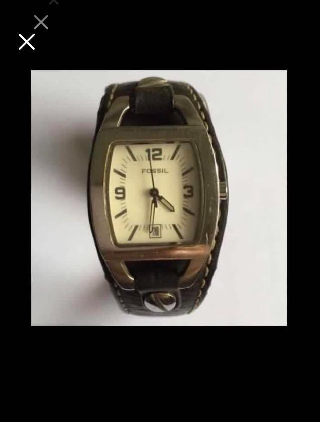 CLEARANCE SALES {Collectibles Item - Vintage Watch} Pre-loved Vintage Fossil Unisex Quartz Wrist Watch