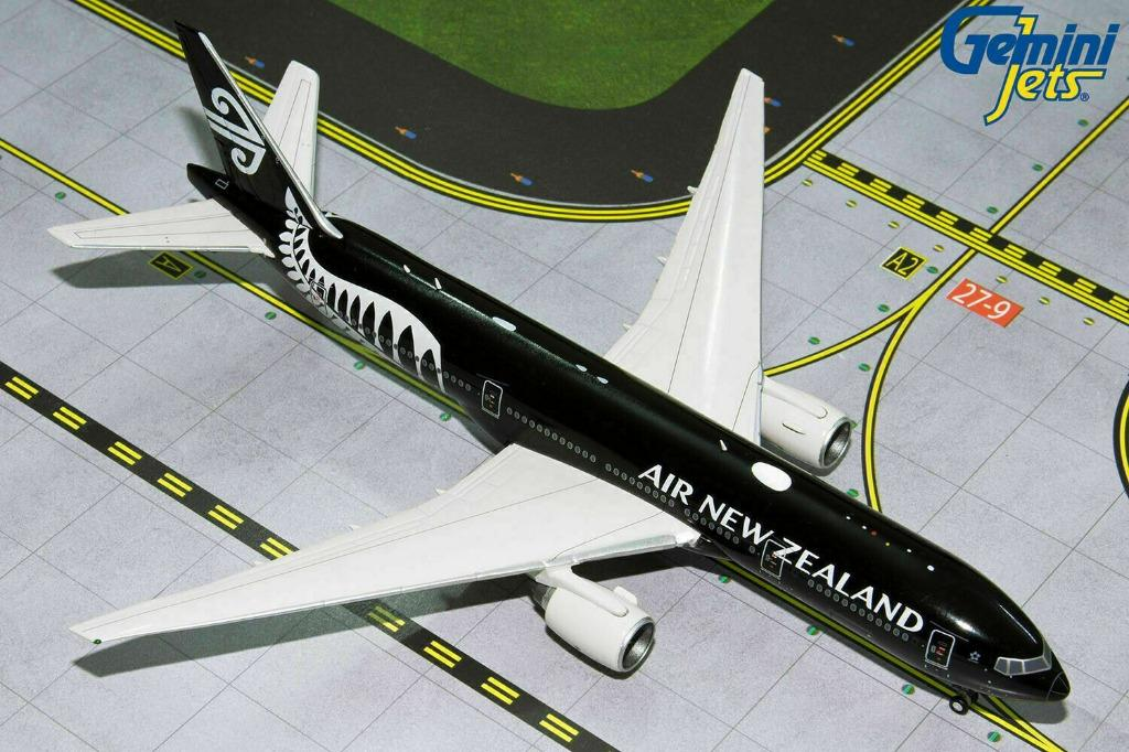 Gemini Jets Air New Zealand Boeing 777-200ER GJANZ1840 Scale 1:400