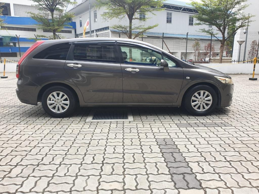 Honda Stream RSZ 1.8A HAPPY MONDAY!! JUST IN with the most Fuel Eficient & Spacious car. Cheapest rental in town with just $500 Deposit driveoff immediately. Whatsapp 8188 8616 now to reserve!